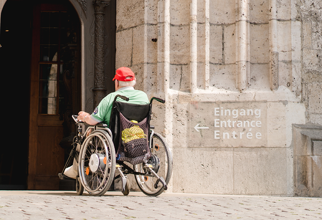 Tour for travelers in wheelchairs